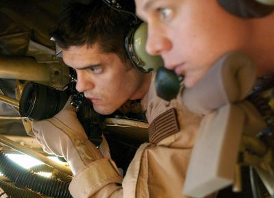 Immagine Allegata: 3 OPERATION ENDURING FREEDOM KC-135R boom operator and combat aerial photographer.jpg