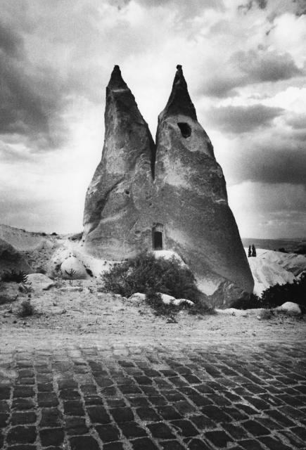 Immagine Allegata: cappadocia2-30x40_ph_gabriele_basilico.jpg