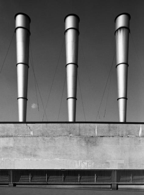 Immagine Allegata: Gabriele-Basilico-Ritratti-di-Fabbriche-Via-Giovanni-Ferrari-Milano-1980-©Gabriele-Basilico-Studio-Basilico-Milano.jpg