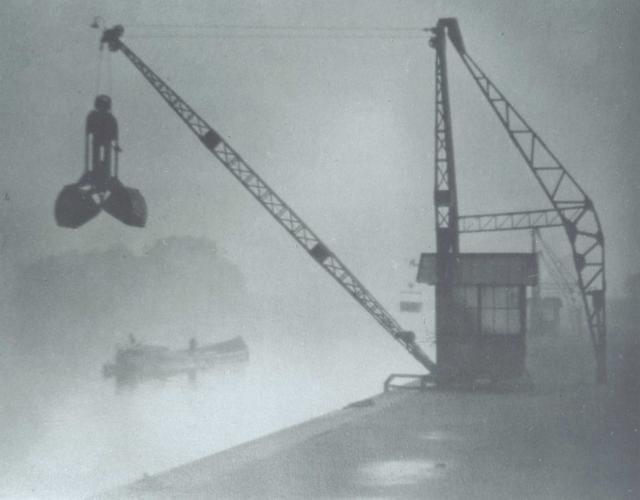 Immagine Allegata: josef-sudek-ranomorning-1921-moravska-galerie-v-brnec-anna-farova.jpg
