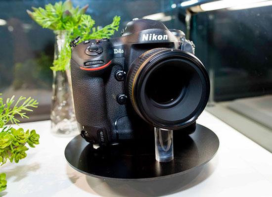 Immagine Allegata: Nikon-D4s-camera-at-CP+-show-in-Japan.jpg