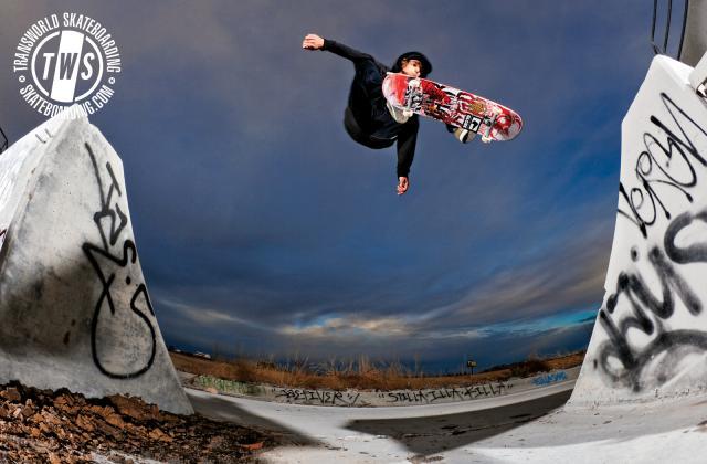 Immagine Allegata: Jump-Skateboarding-Wallpaper.jpg