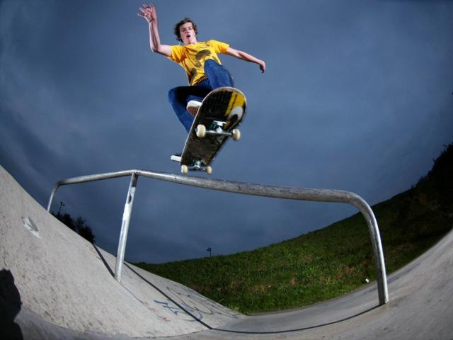 Immagine Allegata: Skateboarding_wallpapers_350.jpg