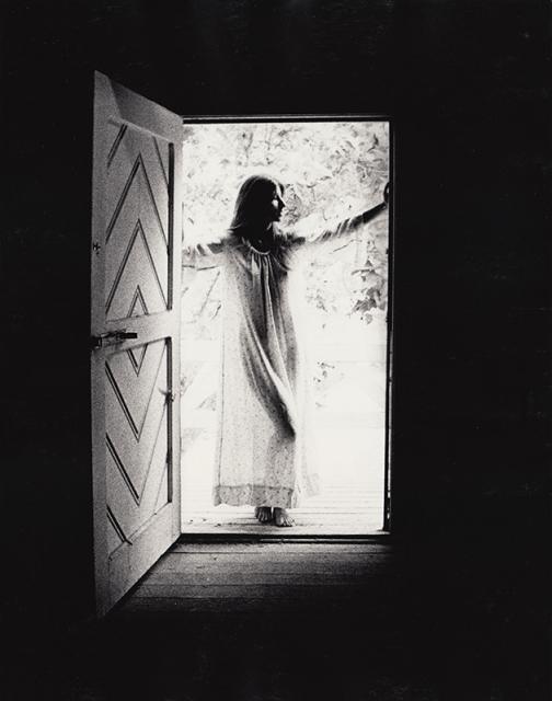 Immagine Allegata: Woman-In-Doorway-14x11.jpg
