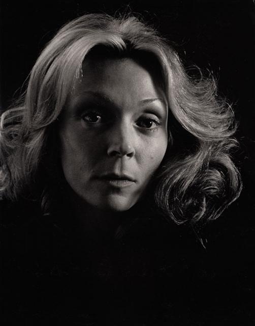 Immagine Allegata: Dark-Portrait-Of-Woman-14x10_75.jpg