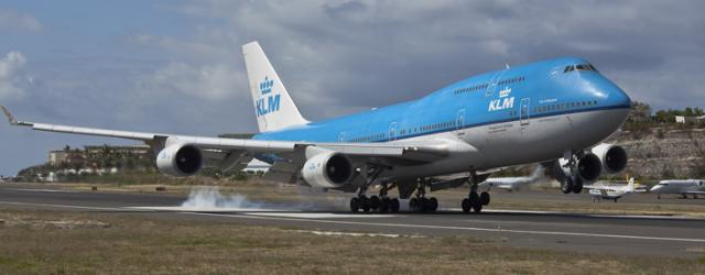 Immagine Allegata: klm-royal-dutch-airlines-jumbo-landing.jpg