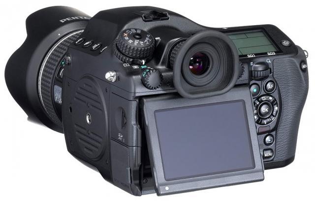 Immagine Allegata: Pentax-645D-2014-medium-format-camera.jpg