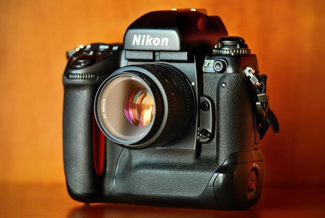 Immagine Allegata: Nikon_F5.jpg