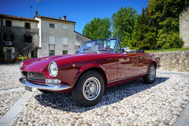 Immagine Allegata: Fiat 124 Spider for NL-6.jpg
