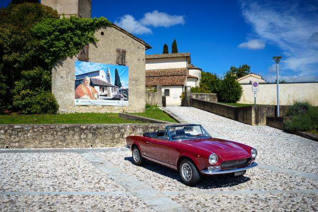 Immagine Allegata: Fiat 124 Spider for NL-12.jpg