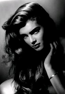 Immagine Allegata: Brooke-Shields-photographed-by-George-Hurrell.jpg