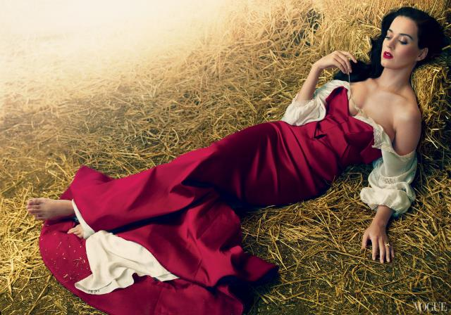 Immagine Allegata: Katy-Perry-by-Annie-Leibovitz1.jpg