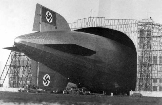 Immagine Allegata: Lakehurst_NJ_Hindenburg_Hangar1_36.jpg