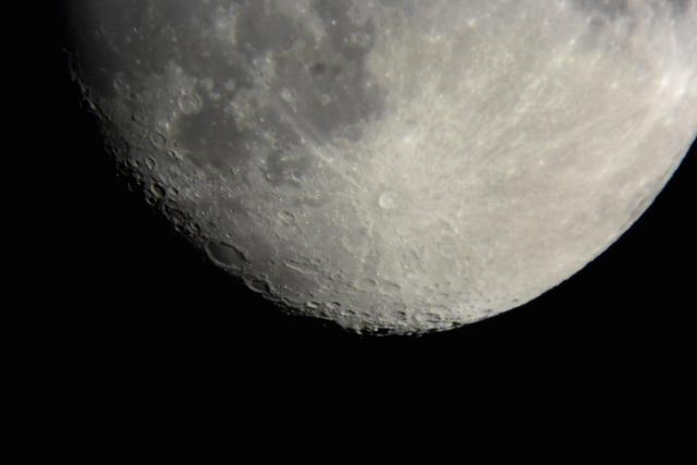Immagine Allegata: Digiscoping_astronomico_Luna_EDG85_Nikon1_V3_HI.jpg