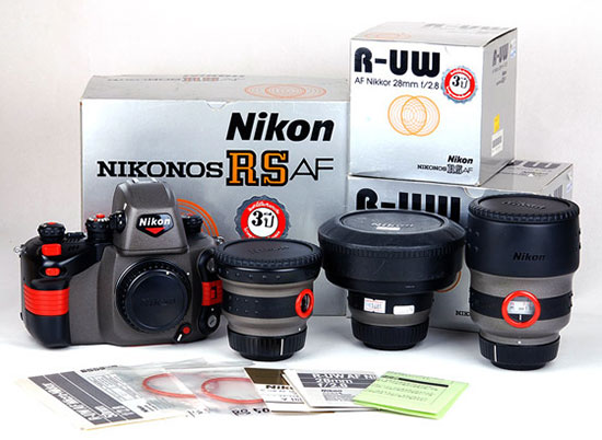 Immagine Allegata: Nikon-Nikonos-kit.jpg