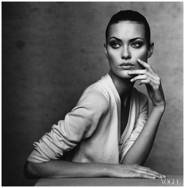 Immagine Allegata: shalom-harlow-photographed-by-irving-penn-vogue-1996-1004x1024.jpg