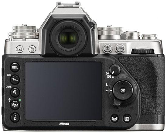 Immagine Allegata: Nikon-Df-kit-silver-3.jpg