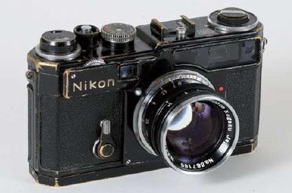 Immagine Allegata: black-Nikon-SP-rangefinder-auction.jpg