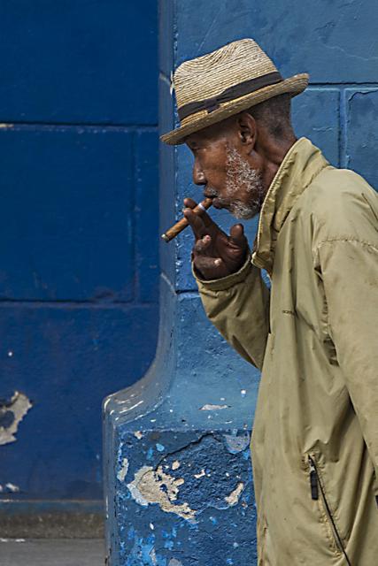 Immagine Allegata: DSC_9942vecchio con sigaro.OTTAVA.RID.jpg